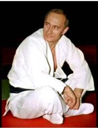 Владимир Путин празднует день рождения и учит дзюдо