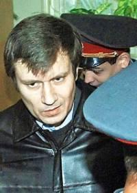 Григорий Грабовой в наручниках