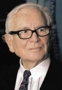 Пьер КАРДЕН (дизайнер-модельер) - родился в 1922 году.  Дни Рождения.
