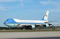 Самолет Барака Обамы приземлился только со  второго раза