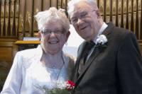 Канадская пара поженилась спустя семьдесят пять лет после первого поцелуя