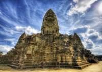 Камбоджийские дети после оползня случайно нашли уникальный храм X века