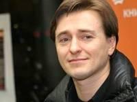 Безруков отправился отдыхать без супруги