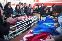 Растет число жертв мощного землетрясения в Иране