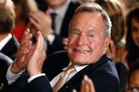СМИ: Буша-старшего обвинили в домогательствах уже восемь женщин