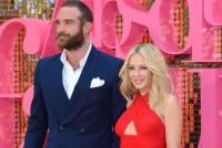 СМИ: Кайли Миноуг рассталась с Джошуа Сассом, заподозрив жениха в измене
