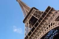 Вокруг Эйфелевой башни установят пуленепробиваемую стену