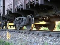 Украинские радикалы строят преграды на железной дороге, которая ведет в Россию