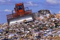 Горы мусора появились возле дома и кабинета двух крымских чиновников
