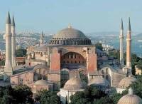 Мусульмане Стамбула требуют вновь превратить собор Святой Софии в мечеть