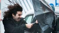 Собянин пообещал денежные выплаты семьям погибших от урагана в Москве