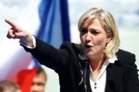 Ле Пен, признав поражение, поздравила Макрона с победой