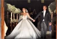 Свадебное платье наследницы компании Swarovski весило 46 кг