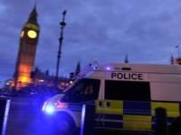 В Лондоне подросток нападал на прохожих, обливая их кислотой