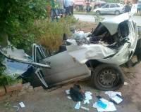 На Ставрополье иномарка врезалась в дерево, погибли 5 человек