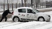 Якутский поселок засыпало снегом