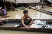 В Бангладеш растет число жертв наводнения