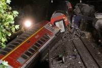 В Индии при крушении поезда погибли 23 человека
