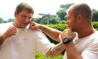 Александр Емельяненко хотел бы возобновить тренировки с братом Федором