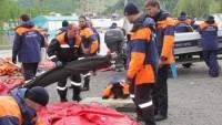 На озере Байкал спасен мужчина, почти сутки дрейфовавший с собакой на перевернутой из-за шторма лодке