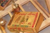 В Петропавловской крепости открылась выставка старинных новогодних подарков