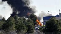 В Южной Дакоте самолет упал на жилые дома, погиб один человек