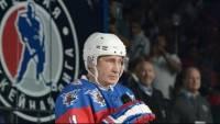 Владимир Путин сыграл в хоккей на Красной площади