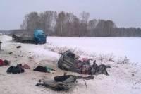 В Башкирии 7 человек погибли при столкновении фуры и микроавтобуса