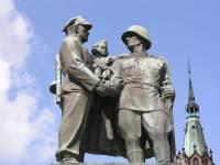 В Польше могут снести памятники советским солдатам, восстановленные добровольцами