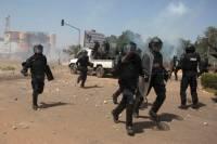 В столице Буркина-Фасо поизошел взрыв, слышны звуки выстрелов