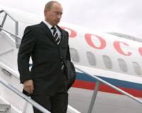 Прилетевший в Кемерово Путин возложил цветы на месте пожара