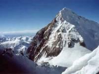 В Непале при восхождении на Эверест умер альпинист из Уфы