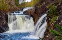 В Карелии ищут 30-летнего жителя Ленобласти, сорвавшегося в водопад