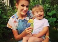 Эвелина Бледанс рассказала об отказе Хабенского фотографироваться с ее сыном с синдромом Дауна