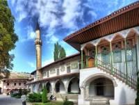 Реставраторы Ханского дворца в Крыму обнаружили гранитные солнечные часы