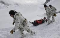 В КБР из-за непогоды пока не могут спустить вниз тела погибших бойцов Росгвардии
