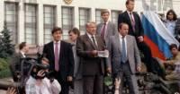 Коржаков опроверг рассказ Руцкого о Ельцине во время путча