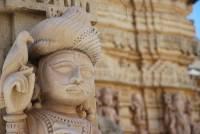 В Индии после сильнейшего наводнения из-под земли «вышли» терракотовые боги