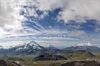 Сорвавшийся в ущелье на Камчатке альпинист найден погибшим