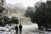 В Афинах из-за снегопадов закрыты школы