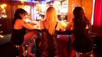 Эстония депортировала сорок проституток
