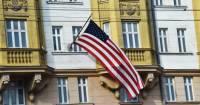 Американские дипломаты, снятые с поезда, перед этим сделали несколько пересадок