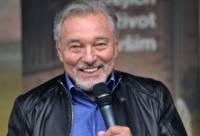 Скончался певец Карел Готт