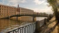 В Петербурге упала в реку машина с двумя детьми