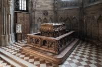 Ученые «заглянули» внутрь нетронутой гробницы германского императора Фридриха III