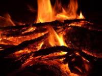 Под Красноярском пенсионер и двое детей погибли при пожаре