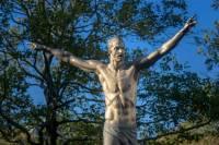 В Швеции фанаты вновь пытались испортить статую Златана Ибрагимовича