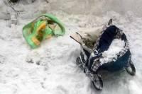 В Бурятии забытая пьяным родственником девочка провела ночь в сугробе