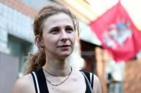 В Барселоне сняли с рейса нетрезвую Марию Алехину из Pussy Riot