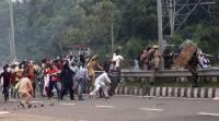 В индийском штате Джамму и Кашмир число жертв подрыва автобуса с военными возросло до 30